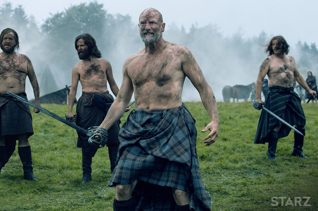 Outlander season 2's shirtless and kilted MacKenzie men
